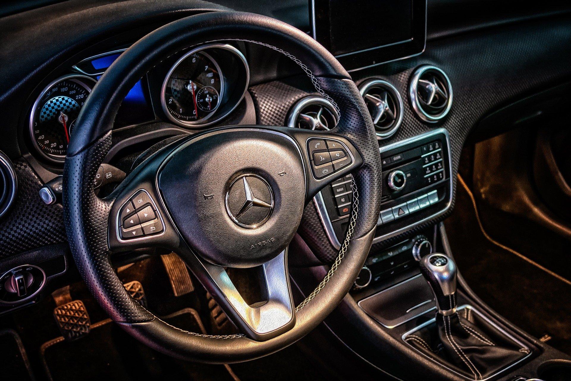 Autokomis – jak kupić lub sprzedać używane auto?